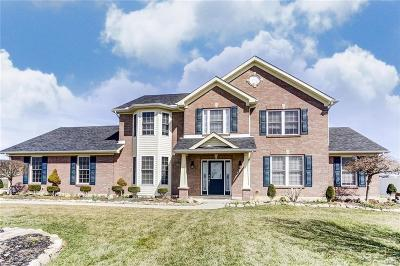 Huber Heights Single Family Home For Sale: 7551 Callamere Farms Drive