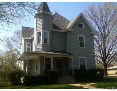 Springfield Multi Family Home For Sale: 1601 Plum Street