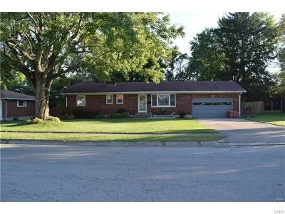 Fairborn Single Family Home Active/Pending: 40 Goodman Drive