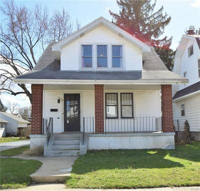 Dayton Single Family Home For Sale: 52 Waverly Avenue