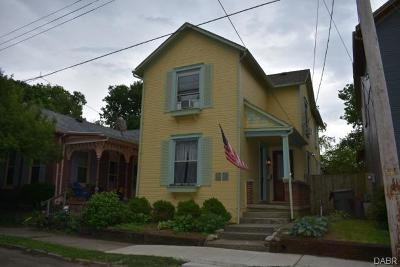 Dayton Single Family Home For Sale: 32 Park Drive