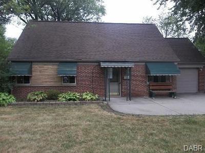 Dayton Single Family Home For Sale: 3903 Villanova Drive