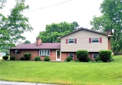 Miamisburg Single Family Home For Sale: 6060 8th Avenue