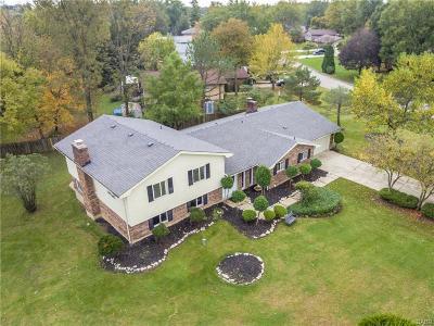 Beavercreek Single Family Home Active/Pending: 3500 Fullerton Court