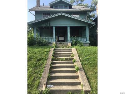 Dayton Single Family Home For Sale: 431 Lexington Avenue