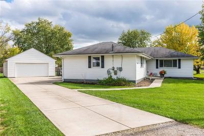 Dayton Single Family Home For Sale: 7734 Emery Drive