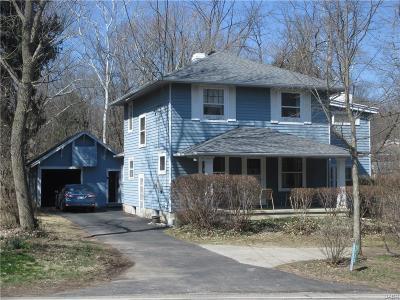 Dayton Single Family Home For Sale: 5733 Philadelphia Drive