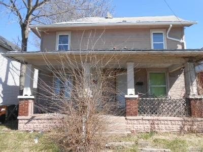 Springfield Single Family Home For Sale: 975 Belmont Avenue