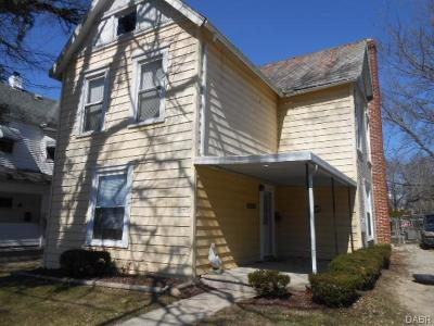 Springfield Single Family Home For Sale: 270 1st Street