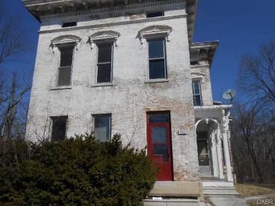 Springfield Multi Family Home For Sale: 648 High Street