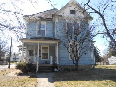 Springfield Multi Family Home For Sale: 1231 High Street #B
