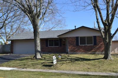 Dayton Single Family Home For Sale: 7220 Troy Manor Road