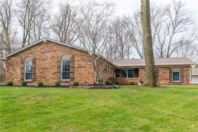 Fairborn Single Family Home Active/Pending: 1805 Robin Hood Drive