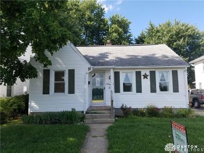 Fairborn Single Family Home For Sale: 21 Hebble Avenue