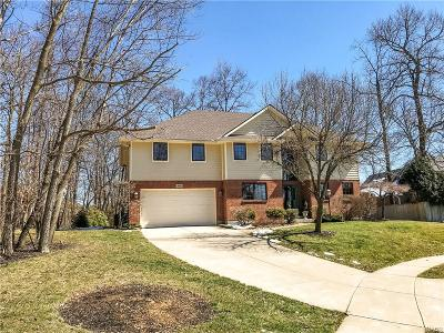 Englewood Single Family Home For Sale: 318 Shady Tree Court