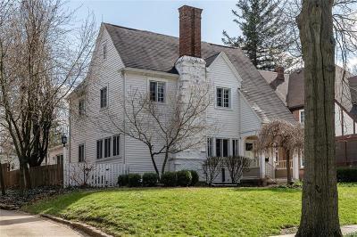 Oakwood Single Family Home For Sale: 124 Woodburn Avenue