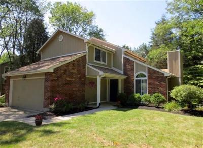 Dayton Single Family Home For Sale: 6039 Edna Oaks Court