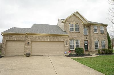 Dayton Single Family Home For Sale: 8824 Fox Hollow Court