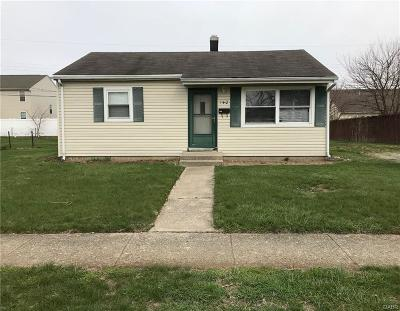 Fairborn Single Family Home Active/Pending: 140 Diana Lane