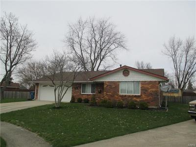 Huber Heights Single Family Home Active/Pending: 7120 Bothwell Place