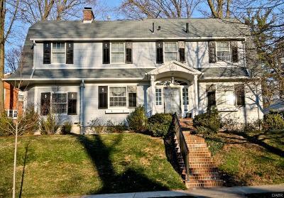 Oakwood Single Family Home Active/Pending: 301 Oak Knoll Drive