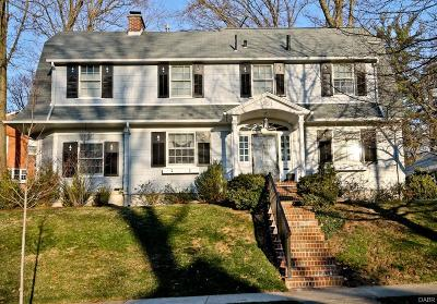 Oakwood Single Family Home For Sale: 301 Oak Knoll Drive