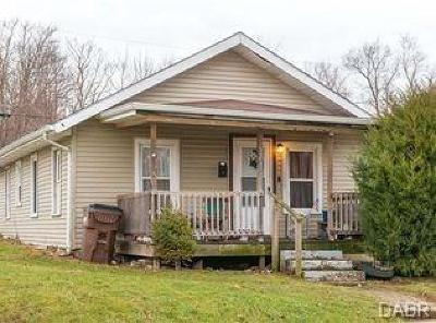 Xenia Single Family Home For Sale: 351 Stelton Road