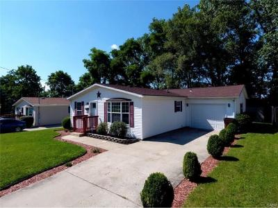 Springfield Single Family Home For Sale: 1810 Summit Street