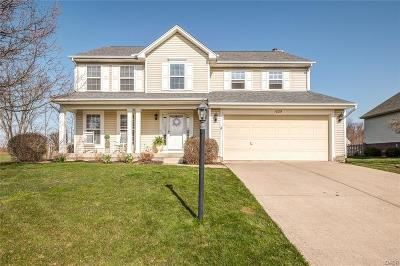 Fairborn Single Family Home Active/Pending: 1029 Whitetail Drive