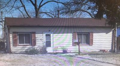 Fairborn Single Family Home For Sale: 812 Princeton Avenue