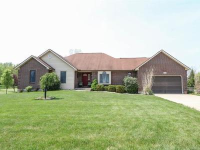 Fairborn Single Family Home For Sale: 1369 Graceland Drive
