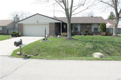 Dayton Single Family Home For Sale: 7816 Waterton Court
