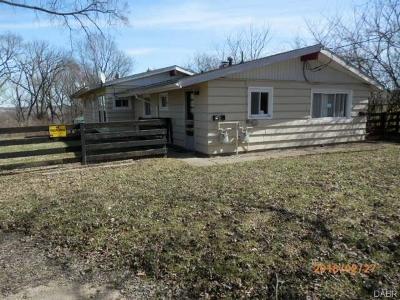 Dayton Single Family Home For Sale: 216 Smithville Road