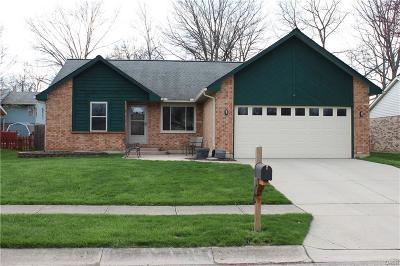 Dayton Single Family Home For Sale: 8971 Davidgate Drive