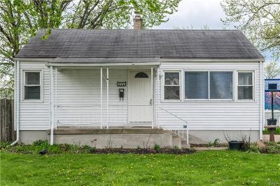 Vandalia Single Family Home For Sale: 220 Curtiss Wright Boulevard