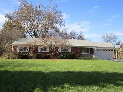 Beavercreek OH Single Family Home For Sale: $124,900