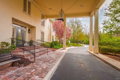 Oakwood Condo/Townhouse For Sale: 333 Oakwood Avenue #2-E