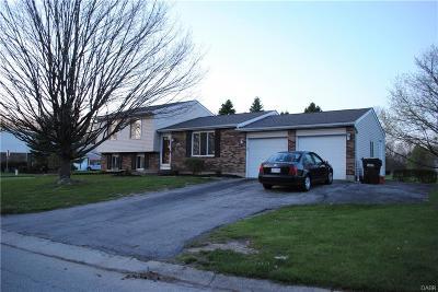 Beavercreek Single Family Home Active/Pending: 4212 Golden Eagle Court