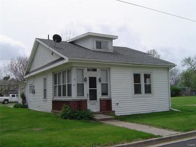 Jamestown Single Family Home Active/Pending: 30 Adams Street