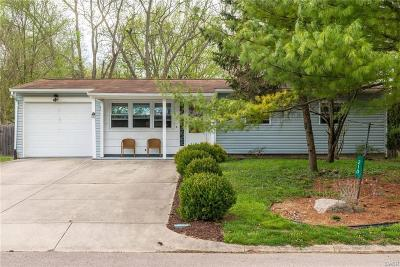 Yellow Springs Vlg Single Family Home Active/Pending: 210 Whitehall Drive