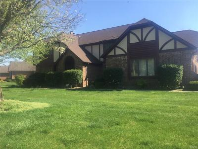 Dayton Single Family Home For Sale: 6737 Stillmead Drive
