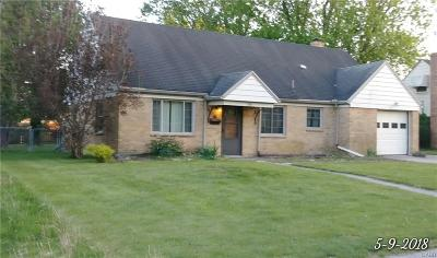 Dayton Single Family Home For Sale: 110 Sherry Drive
