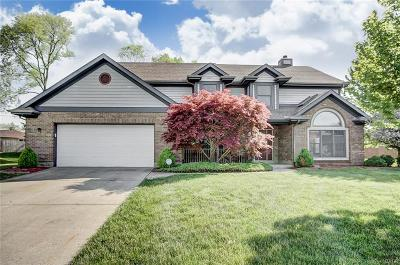 Miamisburg Single Family Home For Sale: 1431 Overcliff Court