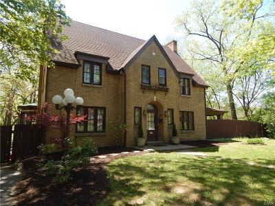Dayton Single Family Home For Sale: 206 Hudson Avenue