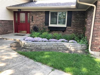 Dayton Single Family Home For Sale: 1589 Ambridge Road