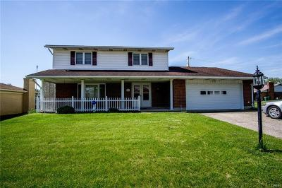 Fairborn Single Family Home For Sale: 218 Woodlawn Drive