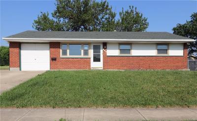 Dayton Single Family Home For Sale: 906 Wagon Wheel Drive
