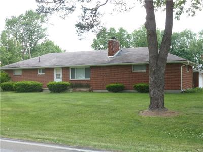 Fairborn Single Family Home For Sale: 3143 Butternut Drive