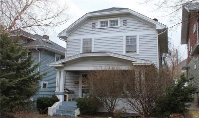 Dayton Single Family Home For Sale: 854 Carlisle Avenue