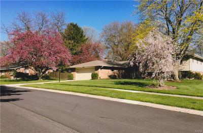 Kettering Single Family Home For Sale: 5410 Oakbrooke Drive